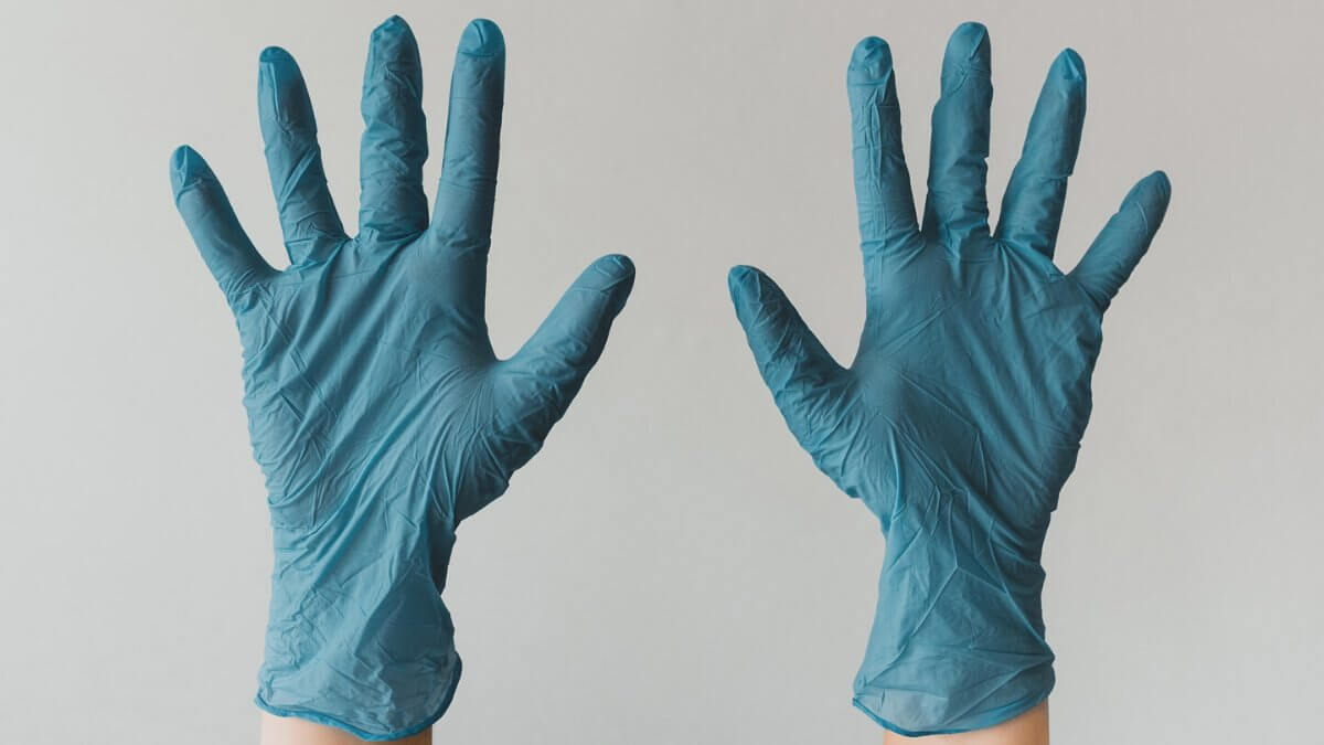 Insights from the PPE shortage in UK